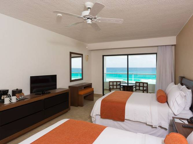 Deluxe room with sea views flamingo cancun resort hotel