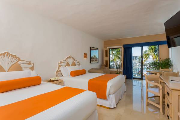 Flamingo Hotels - Puerto Vallarta -