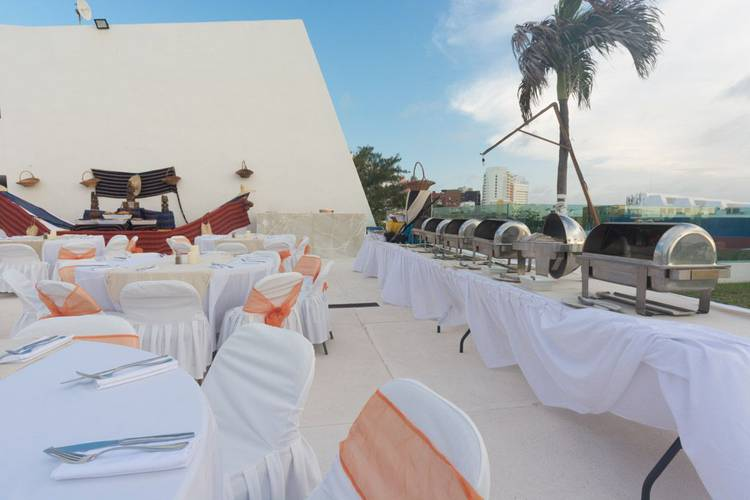 Weddings flamingo cancun resort hotel